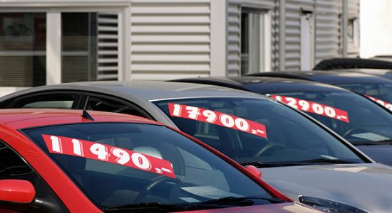 Voitures d'occasion à vendre dans une concession automobile
